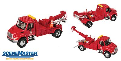 Walthers-Acc Intl 4300 Tow Truck Red - HO-Scale