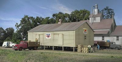 Walthers Co-Op Storage Shed - Kit - 4-1/4 x 2-3/4 x 2-1/4 N Scale Model Railroad Building #3230