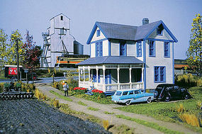 Walthers Aunt Lucys House - Kit - 4 x 5-3/4 x 5-1/8 Inch HO Scale Model Railroad Building #3651