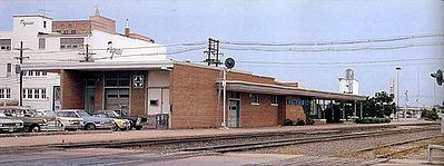 Walthers Modern Brick Santa Fe Station Kit Ho Scale Model Railroad