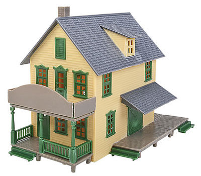 Walthers Trainline Hardware Store Kit -- HO Scale Model Railroad Building -- #915