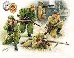 Zvezda WWII Soviet Sniper (4) (Snap) (New Tool) 1/72 Scale Plastic Model Military Figure #6193