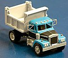 Diamond Reo Truck With 7' Heil Dump Body & Spoked Wheels -- HO Scale Model Railroad Vehicle -- #3145