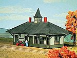 Sandy River & Rangeley Lakes Strong Depot - Kit -- HO Scale Model Railroad Building -- #804