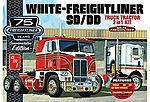 White Freightliner 2-in-1 SC/DD Cabover -- Plastic Model Truck Kit -- 1/25 Scale -- #1046