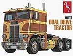 White Freightliner Dual Drive Tractor -- Plastic Model Tractor Truck Kit -- 1/25 Scale -- #620