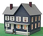 Simpson's House Built-Up -- HO Scale Model Railroad Building -- #589