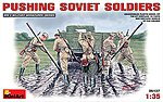 Pushing Soviet Soldiers (5) -- Plastic Model Military Figure -- 1/35 Scale -- #35137