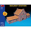 Railway Station -- Plastic Model Diorama -- 1/72 Scale -- #72015
