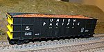 Scrap Metal Load Athearn/MDC Thrall Hi-Side Gondola (2) -- HO Scale Model Train Freight Car -- #8122