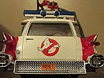 Ghostbuster Ecto-1 Vehicle (Snap) -- Plastic Model Car Kit -- 1/25 Scale -- #914