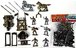 1/32 Crusader Knights Figure Playset (6 w/Weapons, Rack, Cannon & 2 Horses) (Bagged)