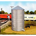 Corrugated Grain Bin 40' -- Model Railroad Building -- HO Scale -- #6280305628-0305