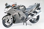 Honda CBR 1100XX Super Blackbird Bike -- Plastic Model Motorcycle Kit -- 1/12 Scale -- #14070