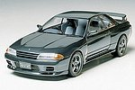 Nissan Skyline GTR Sportscar Coupe -- Plastic Model Car Kit -- 1/24 Scale -- #24090