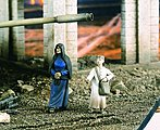 Arab Street Old Women with Boy -- Resin Model Military Figure Kit -- 1/35 Scale -- #2175