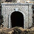 Cut Stone Single Portal -- HO Scale -- Model Railroad Tunnel -- #c1253