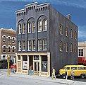 Derry's Pub - Kit - 3-1/2 x 6-1/8 x 6'' -- HO Scale Model Railroad Building -- #3467