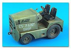 Aerobonus USAF/US Army United Tractor GC340/SM340 Tow Tractor Plastic Model Tractor Kit 1/32 #320032