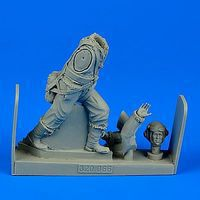 Aerobonus WWII RAF Fighter Pilot Plastic Model Aircraft Accessory 1/32 Scale #320066