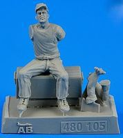 Aerobonus US Army Aircraft Mechanic #1 WWII Plastic Model Military Figure 1/48 Scale #480105