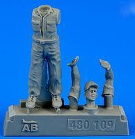 Aerobonus US Army Aircraft Mechanic #3 WWII Plastic Model Military Figure 1/48 Scale #480109