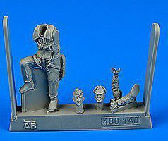 Aerobonus WWII USAF Fighter Pilot 8th Army European Battlefields Plastic Model Accessory 1/48 #480140