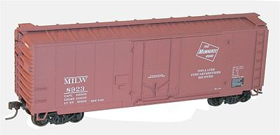 Accurail Milwaukee Road 40' AAR Plug Door Steel Boxcar -- HO Scale Model Train Freight Car -- #3124