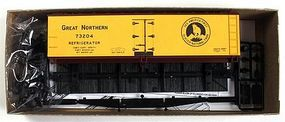 Accurail 40 Wood Reefer - Kit - Great Northern HO Scale Model Train Freight Car #4848