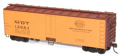Accurail 40' Swing Door Steel Reefer Kit New York Central -- HO Scale Model Train Freight Car -- #8303