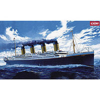 Academy RMS Titanic Ocean Liner Plastic Model Commercial Ship Kit 1/400 Scale #14215
