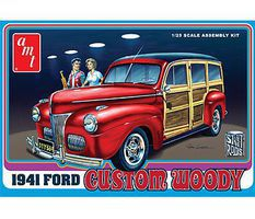 AMT 1941 Ford Woody Plastic Model Vehicle Kit 1/25 Scale #906-12