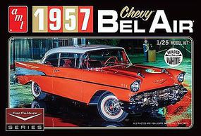 AMT Cindy Lewis 1957 Chevy Bel Air w/Diorama White Plastic Model Car Kit 1/25 Scale #983-12