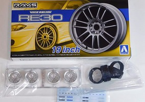 Aoshima 1/24 Volk Racing RE30 19 Tire & Wheel Set (4)
