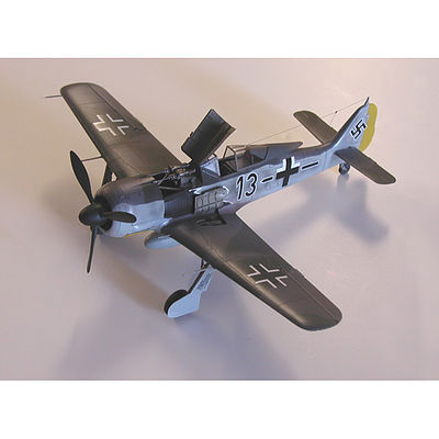 Accurate Miniatures FW-190A-8 JOSEF PRILLER -- Plastic Model Airplane Kit -- 1/48 Scale -- #0402