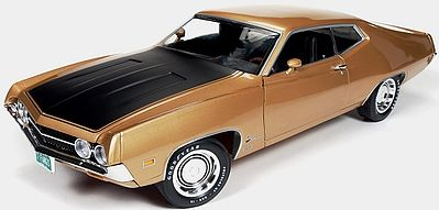 Auto World Diecast 1970 Ford Torino Cobra -- Diecast Model Car -- 1/18 Scale -- #1049