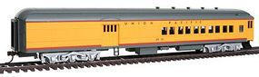 Bachmann 72 Heavyweight Combine Union Pacific #2512 HO Scale Model Train Passenger Car #13605