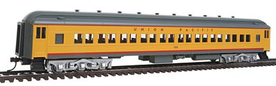 Bachmann 72' Heavyweight Union Pacific #1115 -- HO Scale Model Train Passenger Car -- #13705