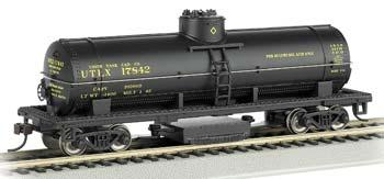 Bachmann Track Cleaning Tank Car UTLX -- HO Scale Model Train Freight Car -- #16302