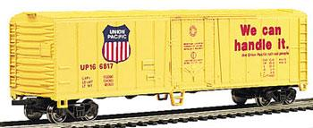 Bachmann 50' Steel Reefer Union Pacific -- HO Scale Model Train Freight Car -- #17901