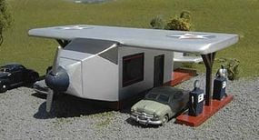 Bachmann Airplane Gas Station HO Scale Model Railroad Building #35201