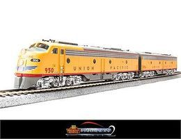 Broadway EMD E-9 A/B Set Union Pacific with sound HO Scale Model Train Diesel Locomotive #2351