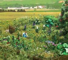 Busch Overgrown Garden - Kit HO Scale Model Railroad Grass Earth #1223
