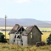 Busch Dilapidated Barn Kit HO Scale Model Railroad Building #1405