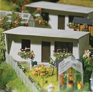 Busch Gmbh Garden Sheds - Kit - 3-3/8 x 1-3/4'' 8.5 x 4.4cm -- HO Scale Model Railroad Building -- #1416