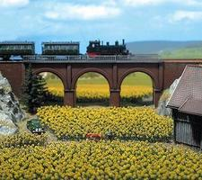 Busch Sunflower Field pkg(96) plus Bases N Scale Model Railroad Grass Earth #8103