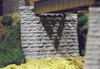 Chooch Enterprises Single Track Cut Stone Tapered Abutment -- HO Scale Model Railroad Scenery -- #8460