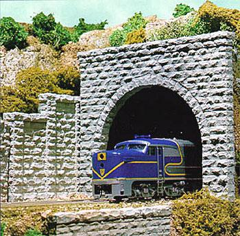 Chooch Enterprises Tunnel Portal -- Cut Stone Double Track 3-1/2 x 3-29/32'' 8.7 x 9.7cm pkg(2) - N-Scale