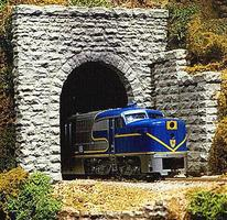 Chooch Single-Track Random Stone Tunnel Portal Random Stone 2-3/4 x 2-1/2 7 x 6.4cm pkg(2) - N-Scale