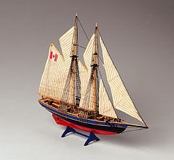 Constructo 1/135 Bluenose II Double-Masted Fishing Schooner Ship w/solid wood hull (Intermediate)